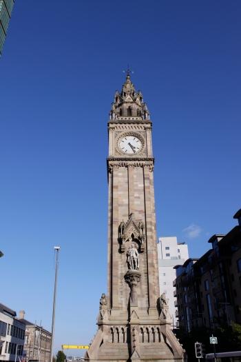 Albert Clock Tower eli Belfastin vastine Pisalle...