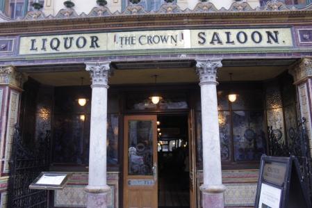 Crow Liquor Saloon eli yksi Belfastin vanhimpia ja kuuluisimpia kuppiloita